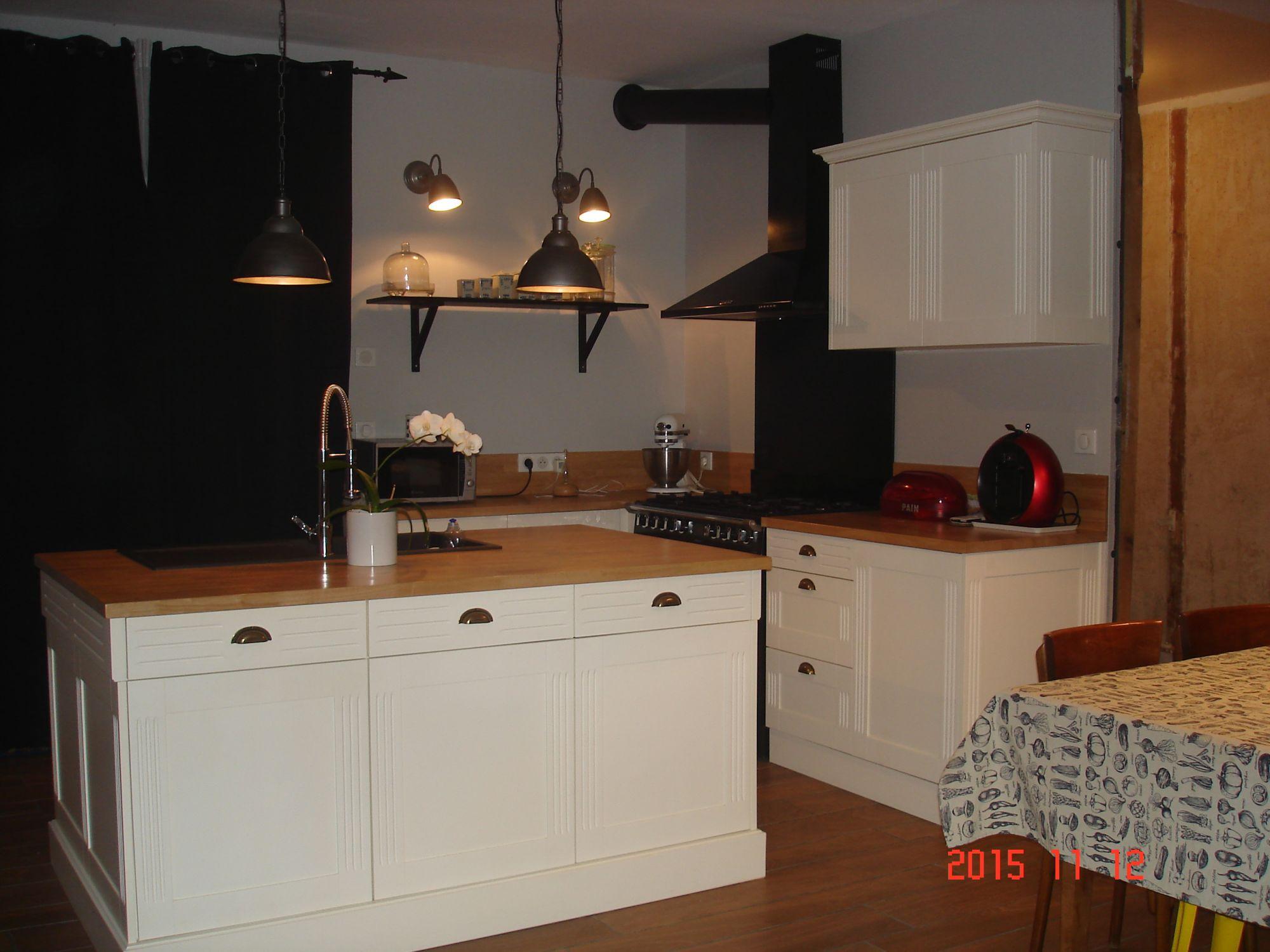 pose de cuisine mbl 86 menuiserie amberre 86. Black Bedroom Furniture Sets. Home Design Ideas